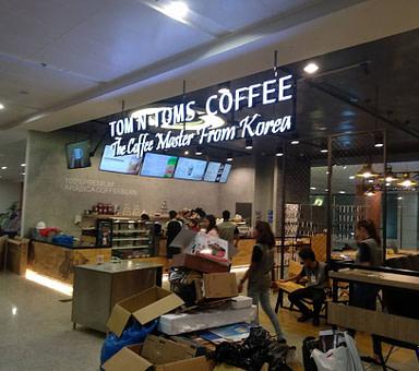 Tom N Toms Coffee – Yangon International Airport